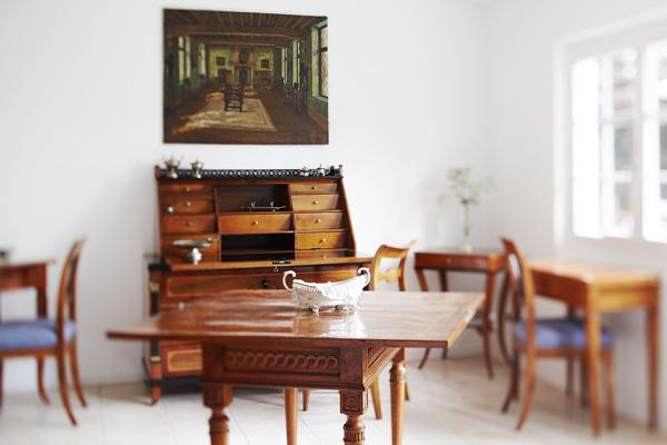 hof 25 antiquit ten und professionelle restauration. Black Bedroom Furniture Sets. Home Design Ideas